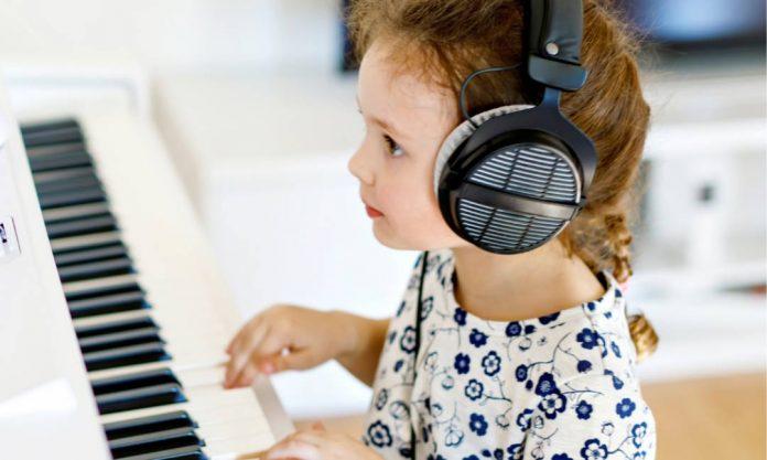 Headphones-piano
